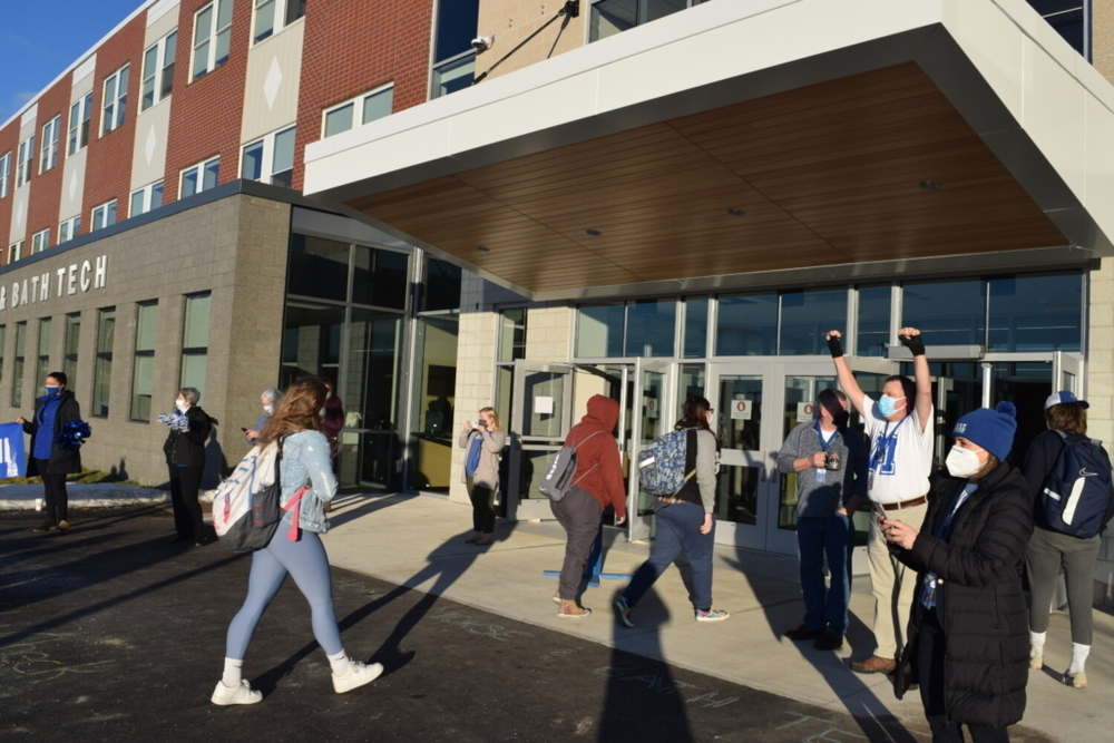 Bath high school students start classes at a brand new Morse High School